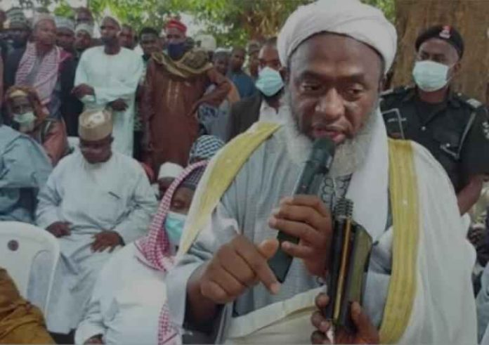 Sheikh Gumi in one of his numerous meetings with the Terrorists in the Forest.